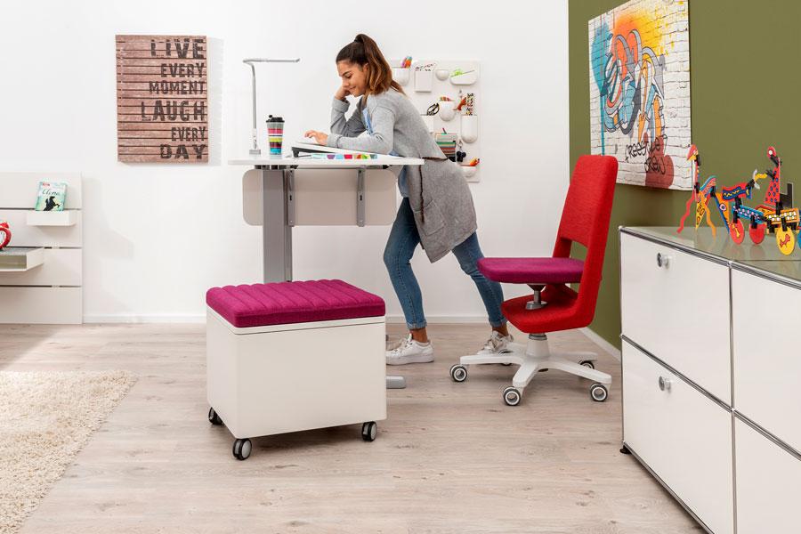 стол и бюро за офиса