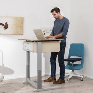 офис бюро за работа седнал - прав